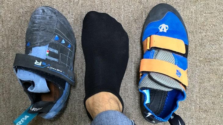 指先が少し曲がったまま履くクライミングシューズは実際の足よりも少し小さなサイズを選ぶことが多い